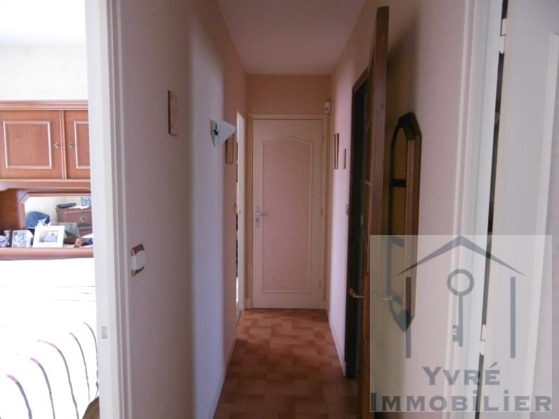 Sale house / villa Yvre l eveque 236 250€ - Picture 10
