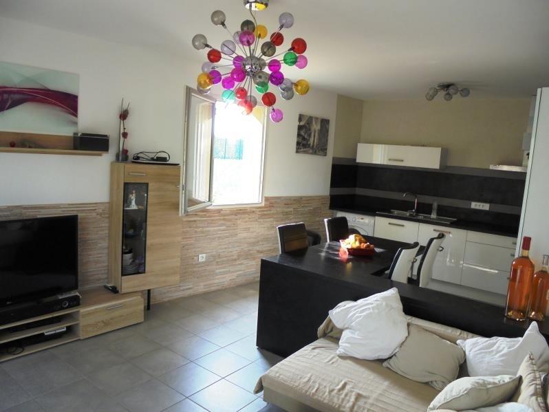 Sale apartment Peyrolles en provence 205000€ - Picture 2