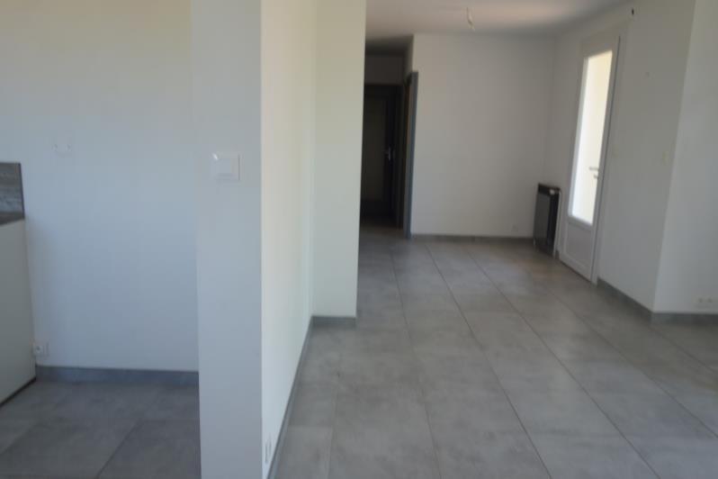 Location maison / villa Perreux 733€ CC - Photo 3