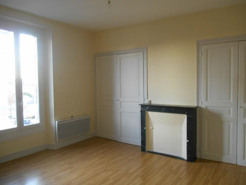 Location appartement Troyes 450€ CC - Photo 1