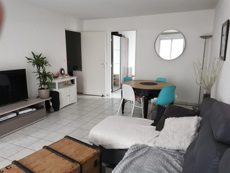 Rental apartment Vendome 485€ CC - Picture 1