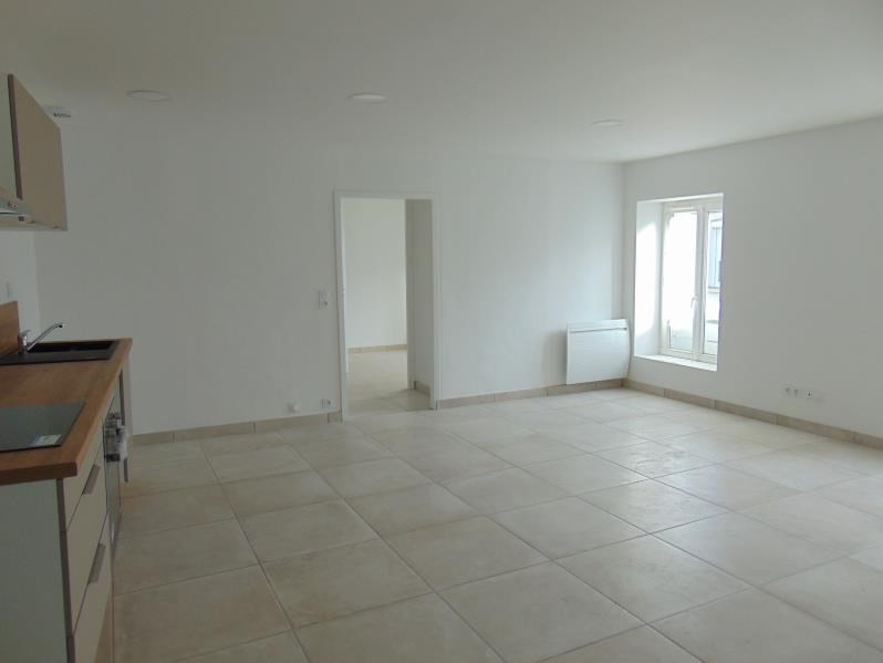 Location appartement St andre de la marche 470€ CC - Photo 1