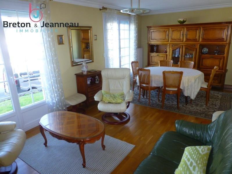 Sale house / villa Saint berthevin 159640€ - Picture 3