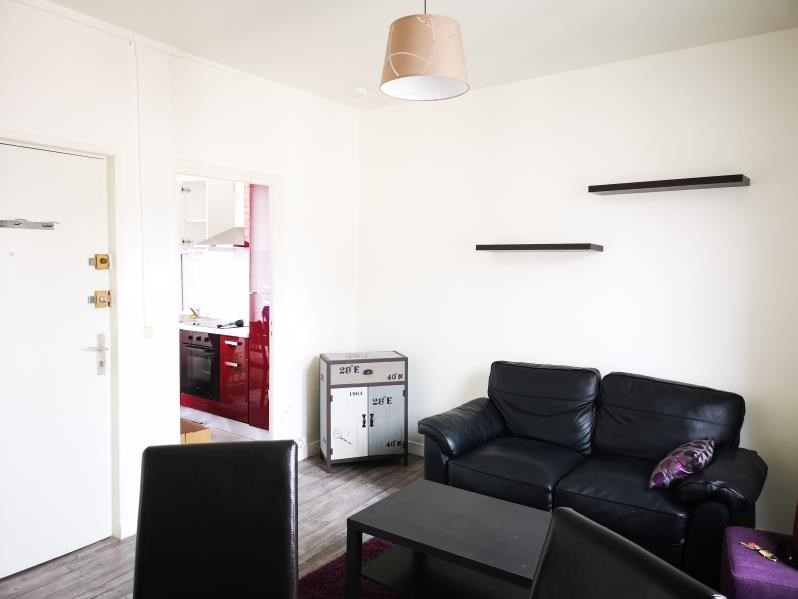 Rental apartment Pontoise 820€ CC - Picture 1