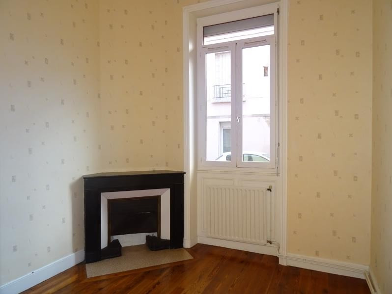 Rental apartment Roanne 355€ CC - Picture 1