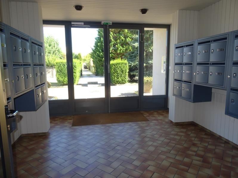 Sale apartment St andre les vergers 73810€ - Picture 2