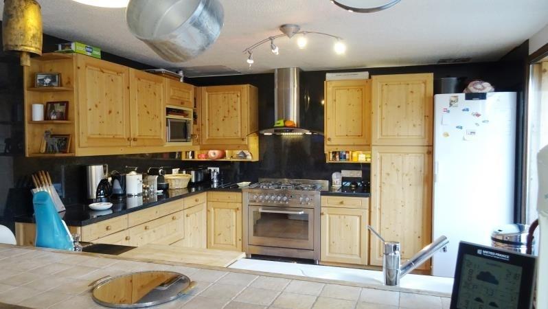 Deluxe sale house / villa Les allues 689000€ - Picture 2