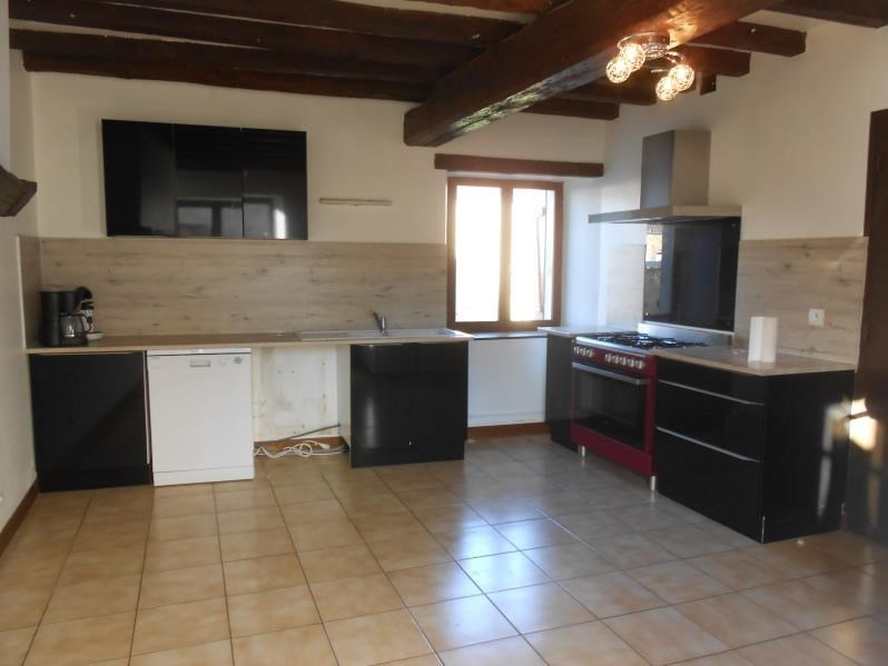 Location maison / villa Fontaine macon 730€ CC - Photo 3