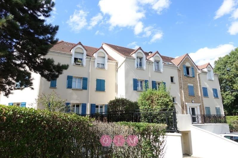 Rental apartment Carrieres sous poissy 995€ CC - Picture 1