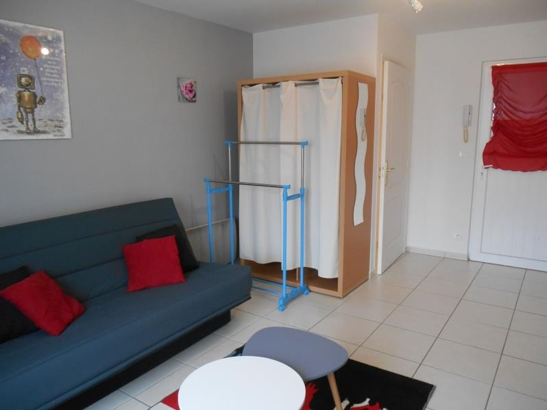 Location appartement Troyes 360€ CC - Photo 1