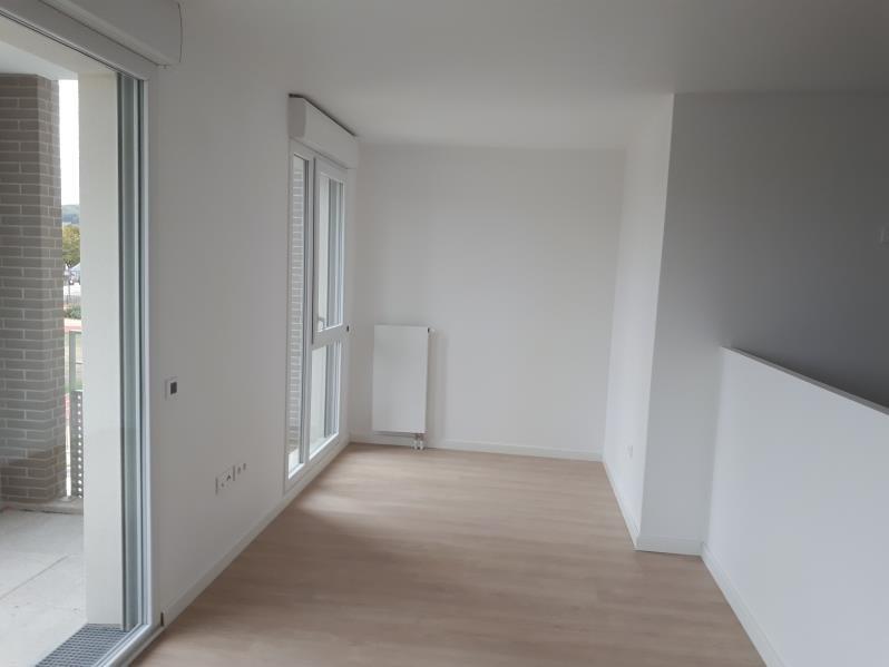 Rental apartment Jouy le moutier 895€ CC - Picture 2