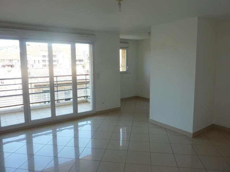 Rental apartment Marseille 8ème 925€ CC - Picture 2