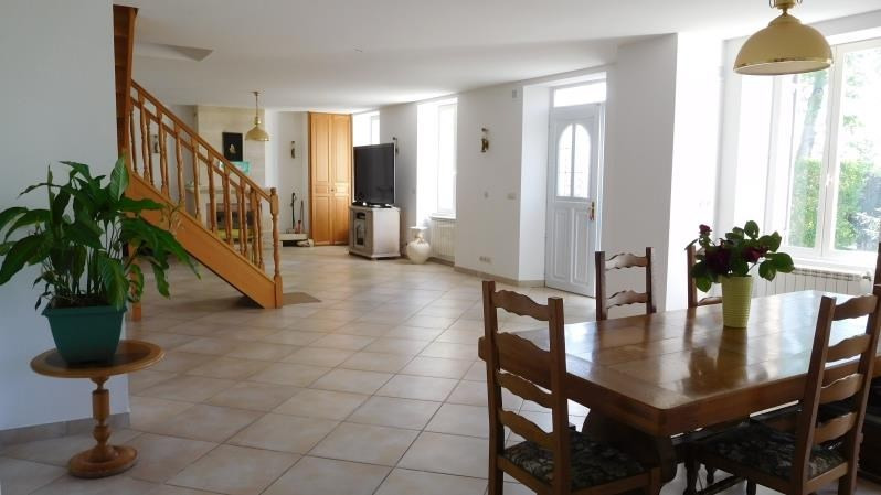 Vente maison / villa Pugnac 298 000€ - Photo 2