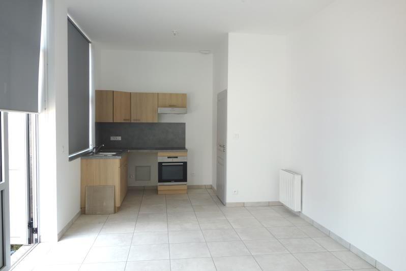 Rental apartment Le coteau 470€ CC - Picture 2