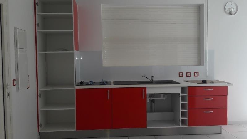 Rental house / villa Le moule 850€ CC - Picture 2
