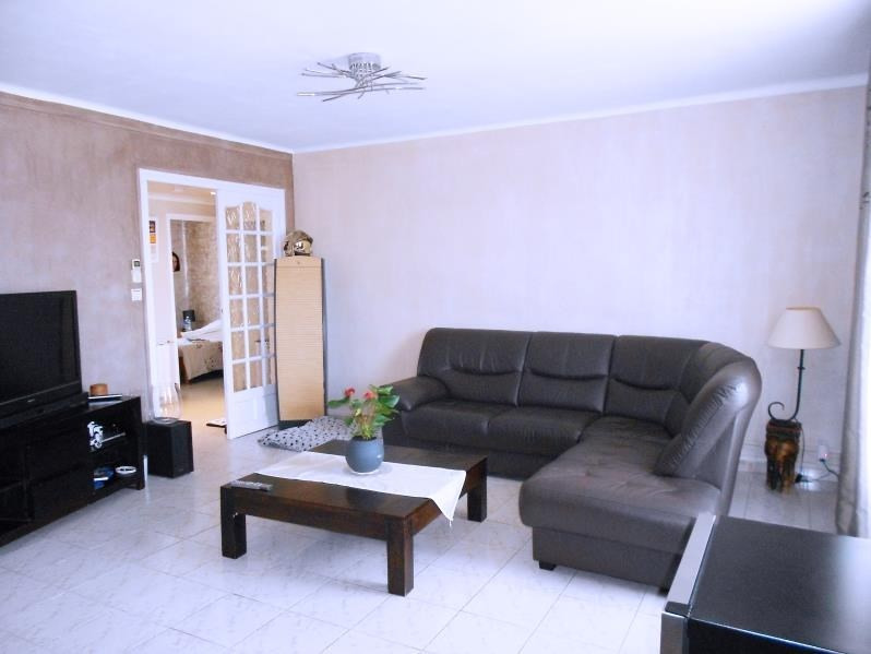 Sale apartment Nimes 106 000€ - Picture 2