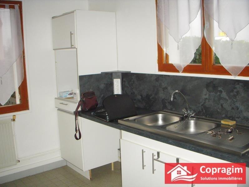 Rental house / villa Barbey 650€ CC - Picture 3