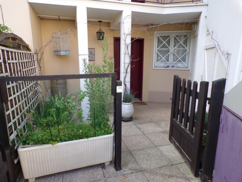 Revenda apartamento Montigny le bretonneux 234500€ - Fotografia 1