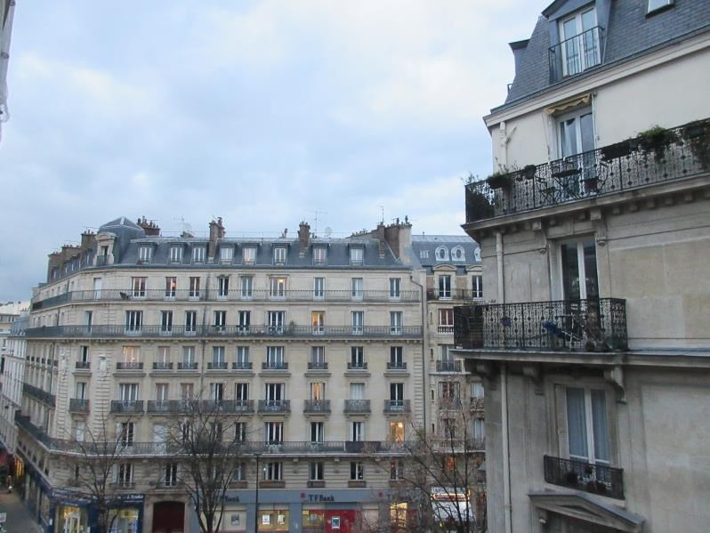 Sale apartment Paris 11ème 460000€ - Picture 1