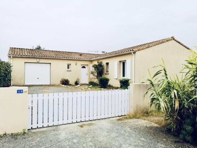 Location maison / villa Epannes 830€ CC - Photo 1