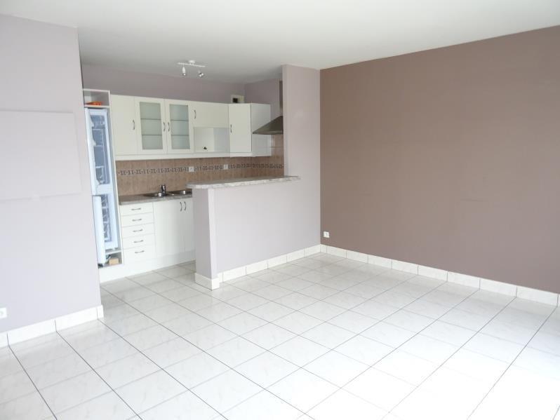 Rental apartment Beaumont sur oise 700€ CC - Picture 2