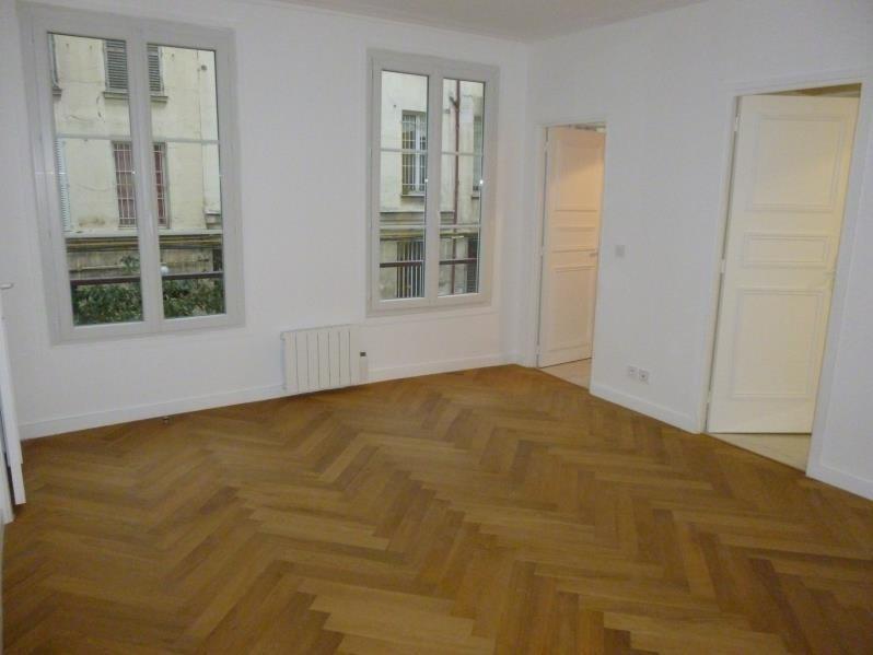 Sale apartment Paris 3ème 660000€ - Picture 1