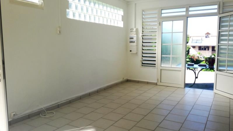 Location maison / villa Le moule 650€ CC - Photo 2
