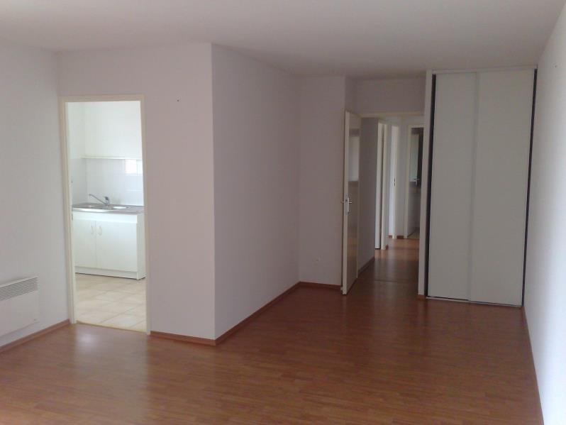 Rental apartment Seilh 630€ CC - Picture 2