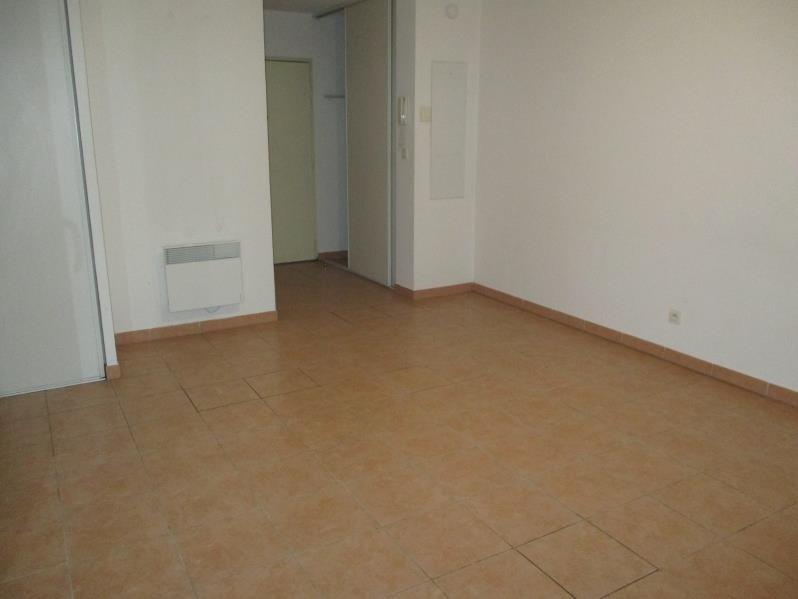 Rental apartment Miramas 584€ CC - Picture 3
