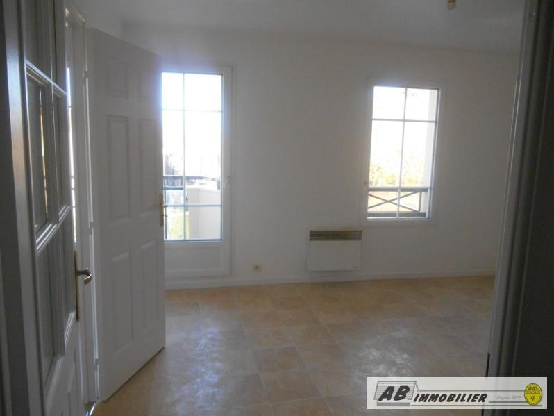Location appartement Carrieres poissy 766€ CC - Photo 2