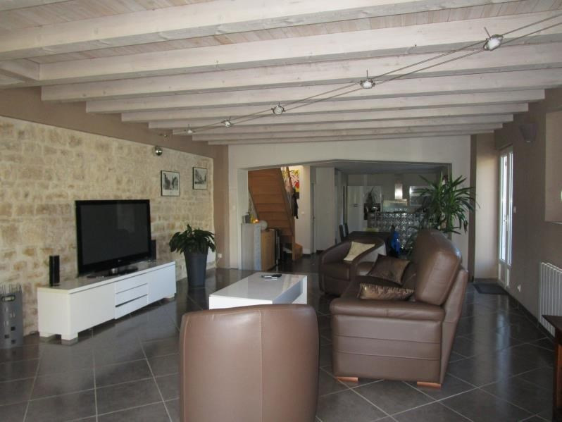 Sale house / villa St gelais 229 900€ - Picture 3