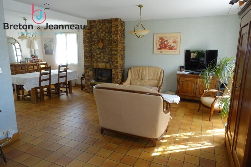 Sale house / villa Changé 234 000€ - Picture 2