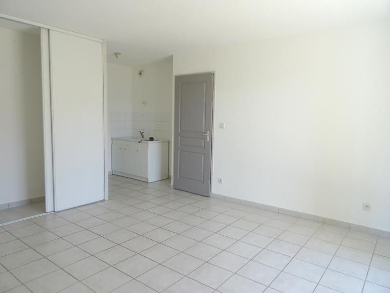 Location appartement Villerest 345€ CC - Photo 3