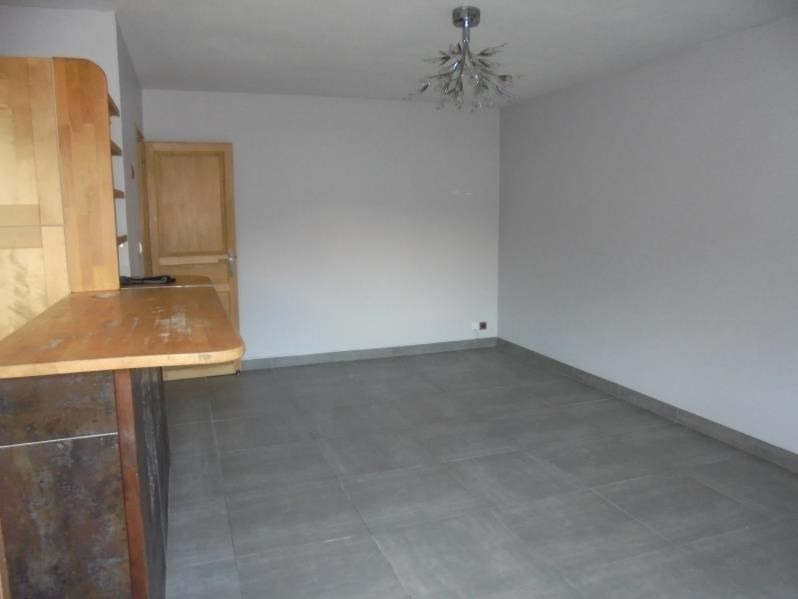 Sale apartment Cluses 106300€ - Picture 2