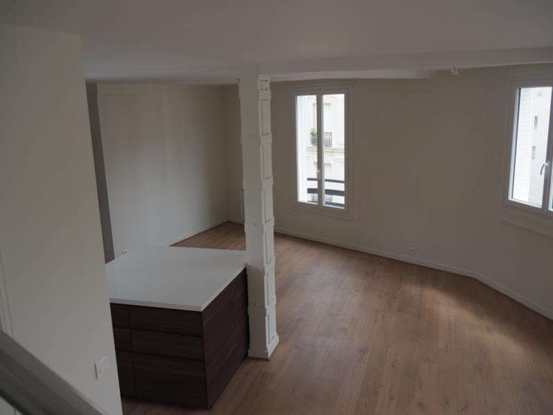 Location appartement Paris 18ème 2 900€ CC - Photo 2