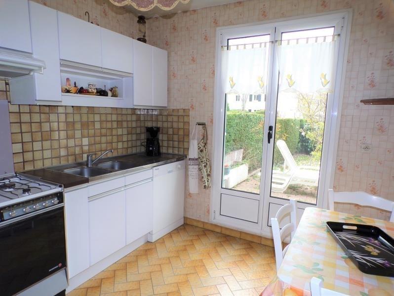 Sale house / villa Montigny le bretonneux 435750€ - Picture 4