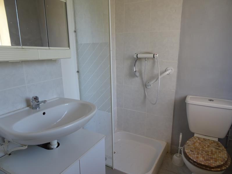 Rental apartment Riorges 305€ CC - Picture 2