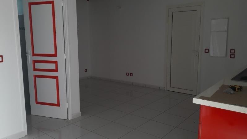 Rental house / villa Le moule 850€ CC - Picture 3