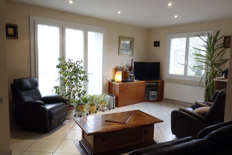 Sale house / villa Montlieu la garde 243500€ - Picture 5