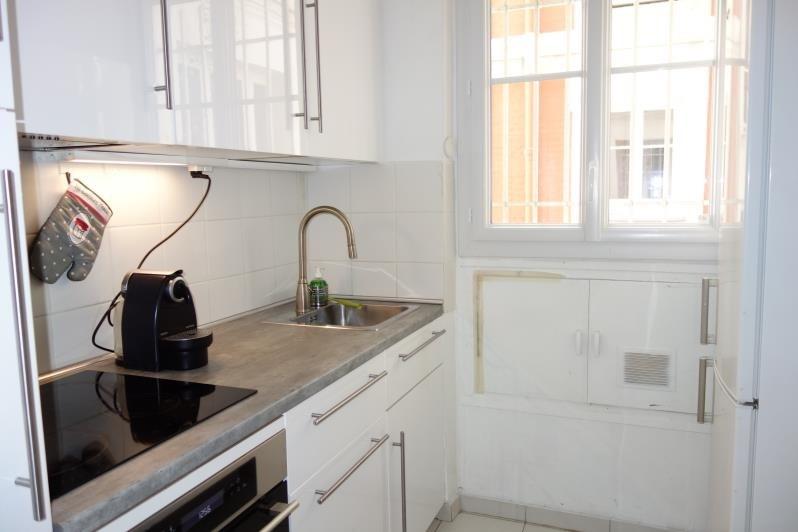 Location appartement Paris 17ème 2115€ CC - Photo 5