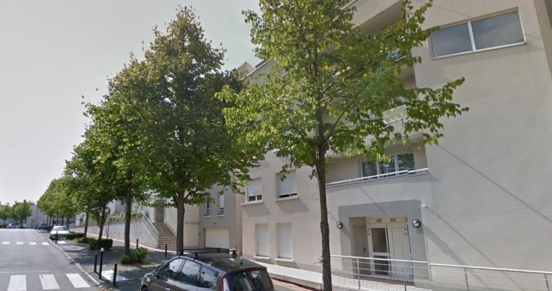 Locação apartamento Montigny le bretonneux 865€ CC - Fotografia 1