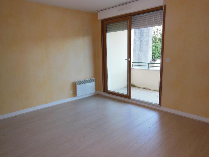 Rental apartment Chaville 948€ CC - Picture 2