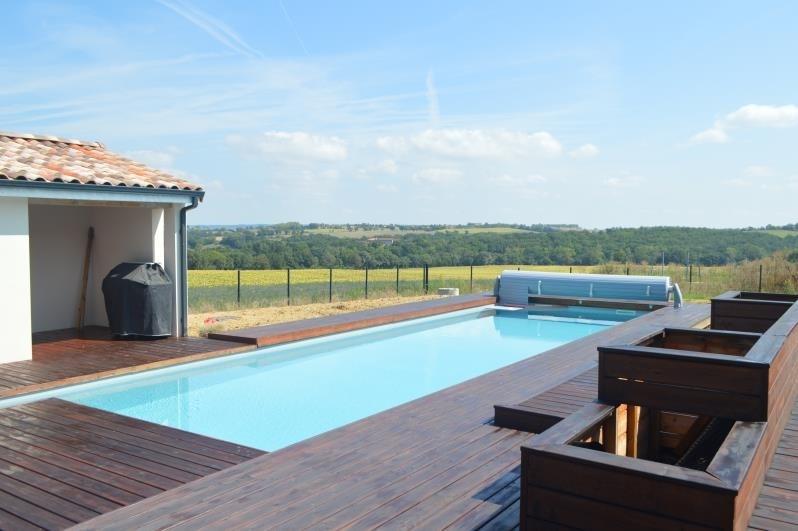 Sale house / villa L isle jourdain 315000€ - Picture 2