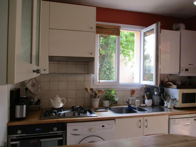 Rental house / villa Salon de provence 1 500€ CC - Picture 9
