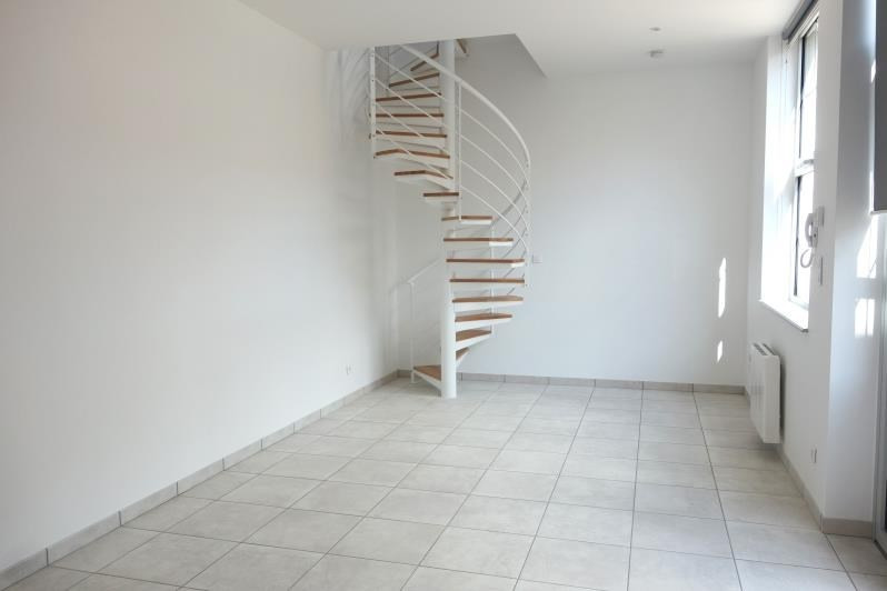 Rental apartment Le coteau 470€ CC - Picture 1