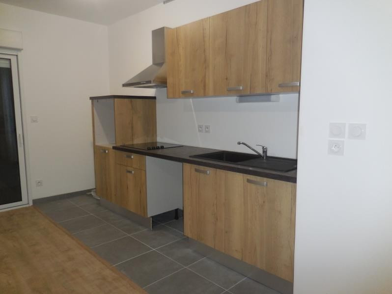 Location appartement La roche sur yon 615€ CC - Photo 2