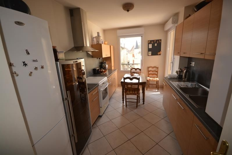 Sale apartment Bourgoin jallieu 269000€ - Picture 2