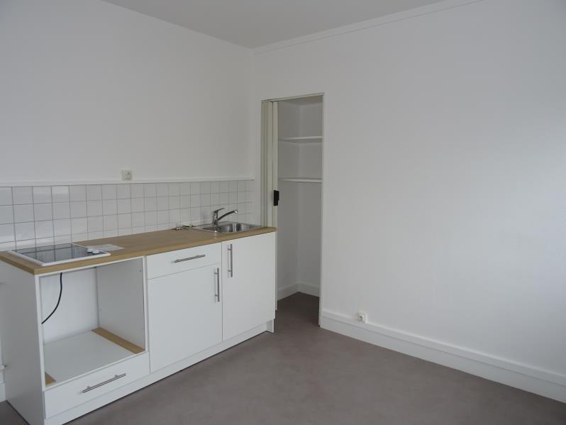 Location appartement Le coteau 275€ CC - Photo 3