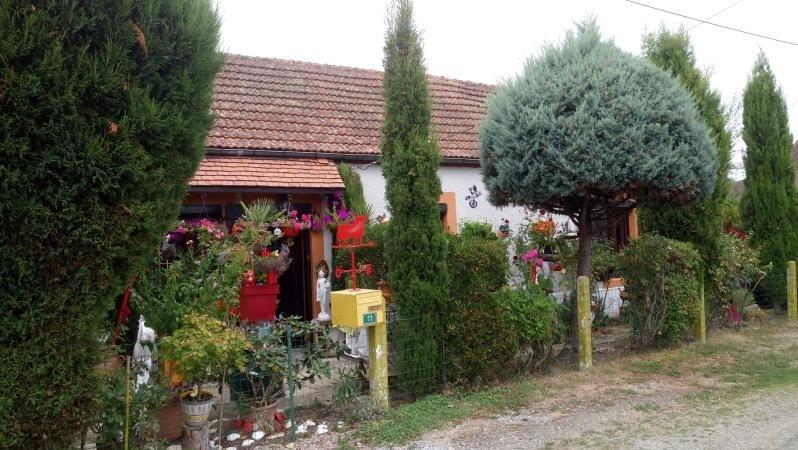 Sale house / villa St plaisir 106000€ - Picture 1
