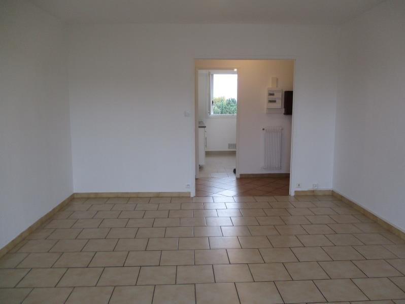 Rental apartment Salon de provence 704€ CC - Picture 4